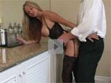 Madura follandose a su amante en un hotel