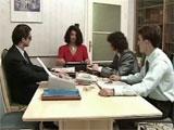 Mama en una reunión de trabajo