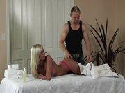 El masaje se les va de las manos