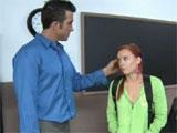Alumna pelirroja loquita por su profesor